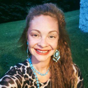 Maggie Harwell, painter, illustrator, nossi instructor